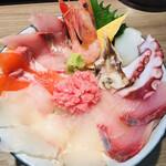らーめん専門店 拉ノ刻 - ふつうに海鮮丼として悪くないです