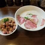 154294056 - 特製TORI白湯らーめん(炙りチャーシューめしセット)