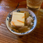 154315674 - お突き出しの「出汁豆腐」ちゅるりん。