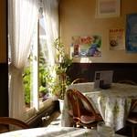 コテージ - 店内(喫茶テーブル)
