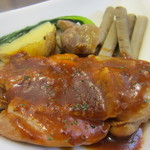 Base Cafe - 鶏モモ肉とゴボウのブレゼソース