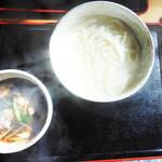 HOSOYA - 料理写真:肉汁うどん 600円