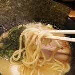 松壱家 - 中太ストレート麺