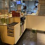 国産二八蕎麦 蕎香 - 厨房。