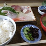 お食事処 かず - 刺身定食(1400円)