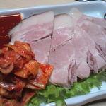 15437166 - 蒸し豚(530円) これも結構美味しかった!