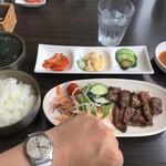 韓国厨房 尚州本店 - 左腕のお伴と