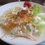 sitia - 料理写真:前菜サラダ少し冷蔵庫の匂いがうつってるので気を付けて欲しい