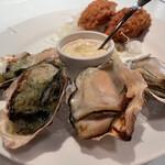 ガンボ&オイスターバー - 牡蠣フライ、香草ガーリックバター焼き