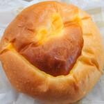 ブーランジェリー ラ・テール - しあわせを呼ぶクリームパン
