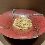 マルノワテーブルりんどう - 山形野菜とモルトポークのペペロンチーノ 古代小麦麺