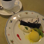 ブラッスリーせき - デザートのガトーショコラ
