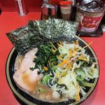 154405473 - チャーシュー麺(中) 野菜畑