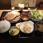 154409113 - 炭火焼とろける焼豚定食980円(税込)