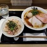 154410836 - 特選中華そば + ミニチャーシュー丼