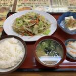 へいわ亭 - 料理写真:肉野菜炒め定食♪