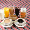 ダウラギリ - ドリンク写真:ランチタイムのセットメニューにはソフトドリンク1杯付き。