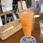 iq cafe&dining - グレープフルーツジュース