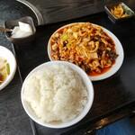逸品火鍋 - 豚肉細切りの甘辛炒め(魚香肉絲)