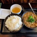 いかり食堂 - もつ大盛煮込み定食 ご飯中盛り サービス納豆