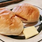 レストランオオタニ - ロールパン(340円)
