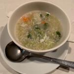 中国料亭 凛 追立 - ランチセットのスープ