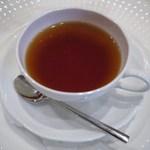 ドゥ・リヨン - ドリンク写真:紅茶ストレートに・・・♪