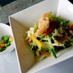 ぐんま ハーブ レストラン&バー - セットのサラダとお豆の小皿