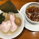 伍年食堂 - つけ麺(1000円)+煮玉子(100円)