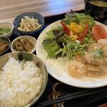 お昼ごはんのお店 Leaf - 料理写真:エビマヨ@日替わり定食