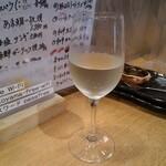 海鮮処 函館山 - 余市ワイン白(撮る前に一口飲んじゃったけど)