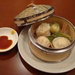 15451359 - 香港粥ランチの飲茶です♪