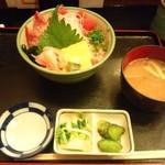 しん かるちぇ らたん - 魚河岸丼