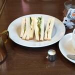 珈琲倶楽部 - 料理写真:モーニングサービスのサンドイッチ 600円