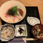 Osakanayasatou - 海鮮丼1,500円
