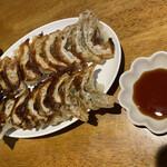 モンテローザ - 料理写真:餃子2人前@400円 安定の餃子⭐︎1皿8ケ