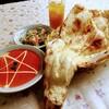 インド・ネパール料理 アヴィヤン - 料理写真:Aランチセット 780円(挽肉キーマカレー 2辛・サラダ・プレーンナンおかわり自由・マンゴージュース)