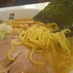 らーめん むつみ屋 - サッポロラーメンより細目の麺
