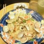 15454439 - 蛤と九条ネギのだし仕立て 生姜風味