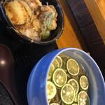 あずみの庵 - とり天丼+ 期間限定夏のみのすだち蕎麦 1122円