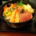 レストランルピナス - 料理写真:海鮮丼
