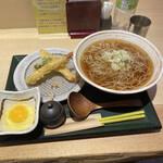 国産二八蕎麦 蕎香 - かけそば 天ぷら 生卵