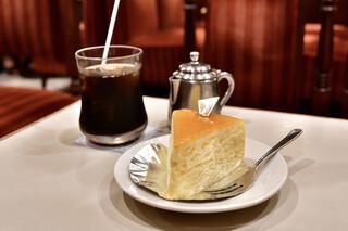 名曲・珈琲 新宿 らんぶる - 【ケーキセット@税込1,100円】ニューヨークチーズケーキ+アイスコーヒー