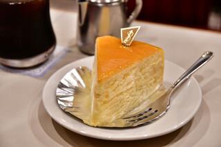 名曲・珈琲 新宿 らんぶる - 【ケーキセット@税込1,100円】ニューヨークチーズケーキ