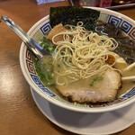 幸福軒 - 細麺、替え玉大玉で