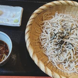 月待の滝 もみじ苑 - 料理写真:ちょっと食べちゃったけどざるそば