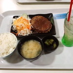 15457788 - ハンバーグ定食 700円(2012.10月)
