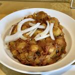 154579832 - チョーレイは、ヒヨコ豆のマサラ炒め                                              お店の辛さでは緑色の丸一つと初心者マークです。