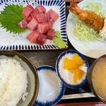 三洋食堂 - 中トロ定食大海老フライ付き。この日は1300円でした