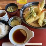 加西サービスエリア(下り線)レストラン - 料理写真:天ぷら定食全景です